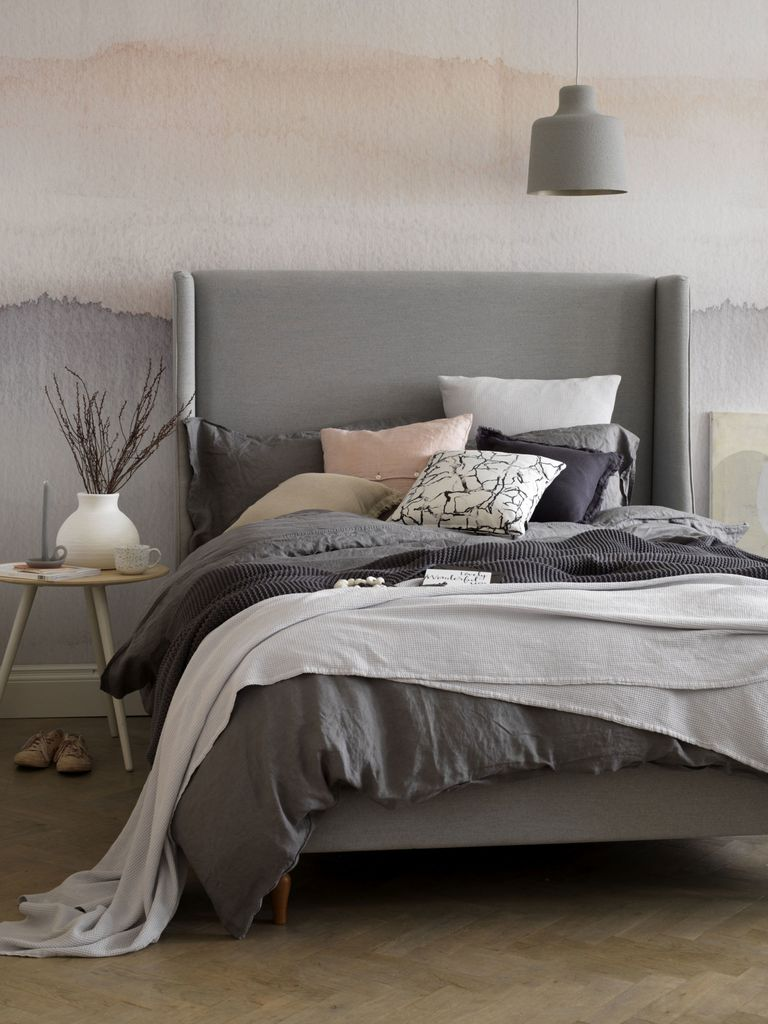 Trend ombre 2018 -Source button & sprung-holly-double-bed-frame-in-pumice-soft-textured-weave